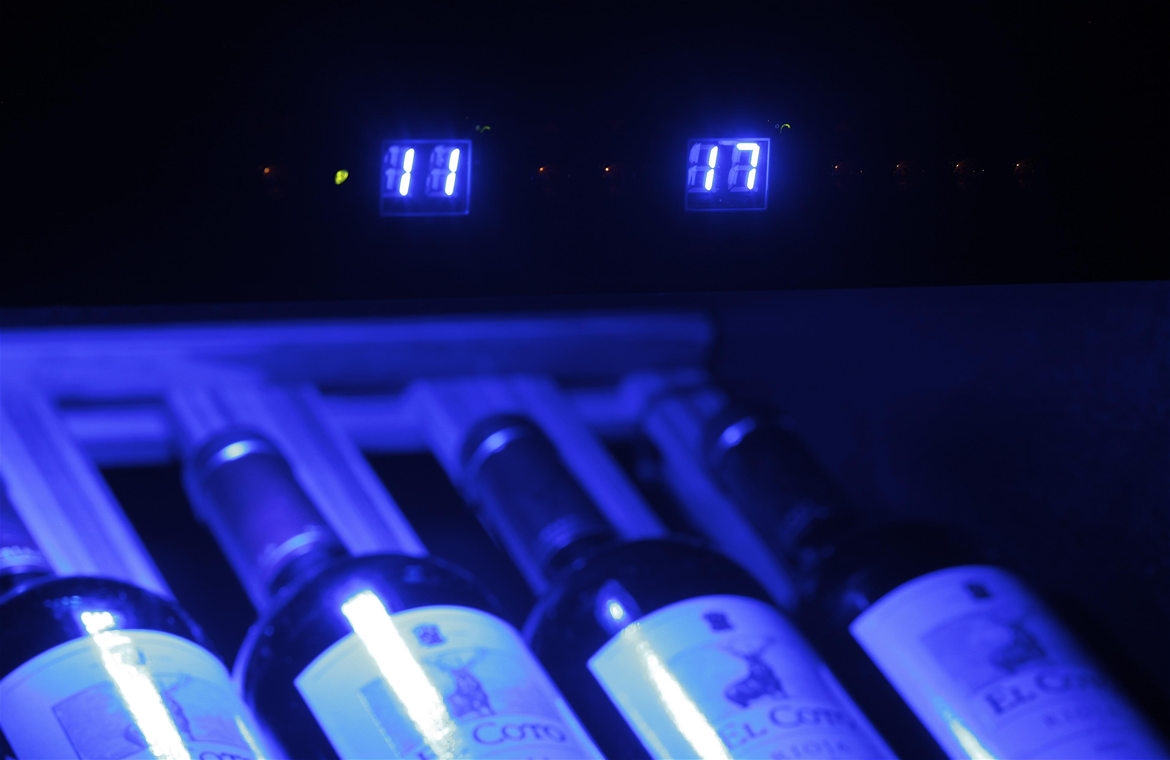 Cave vin pour 40 bouteilles et 2 zones de temperature - Cave a vin 40 bouteilles ...