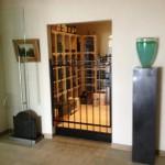 Geconditioneerde wijnkelder met glazen deur